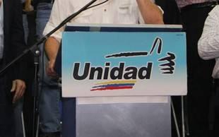 Oposición pide llevar a referendo acuerdos de diálogo con Gobierno
