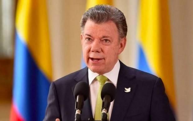 Santos invita a venezolanos a votar y señala a Maduro de no jugar limpio
