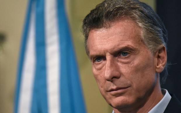 Presidente argentino decreta duelo nacional por submarino desaparecido