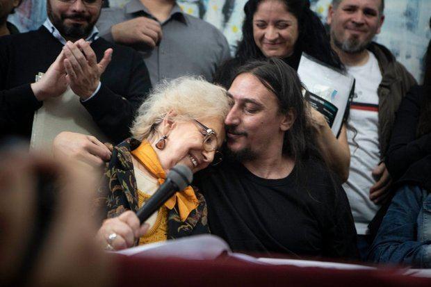 Las Abuelas de Plaza de Mayo comunicaron con suma felicidad la restitución del nieto 130