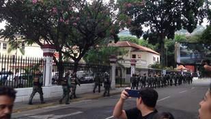 Periodistas exigen cese de la represión en la Comandancia de la GNB