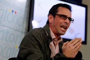 Capriles llama a la Fiscalía a actuar por violación de DDHH en San Antonio
