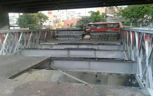 Desmontados puentes de Bello Monte y Las Mercedes que dan acceso a la Fajardo