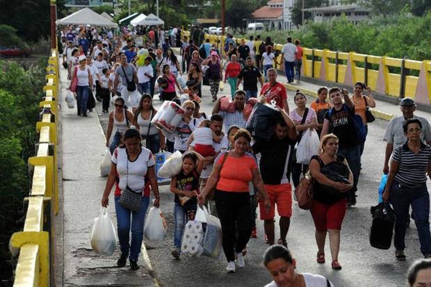 1 millón de ciudadanos cruzó la frontera colombo-venezolana en fin de año