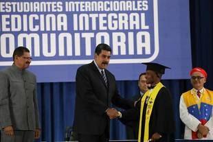 Maduro ratificó compromiso con avances del diálogo en Dominicana