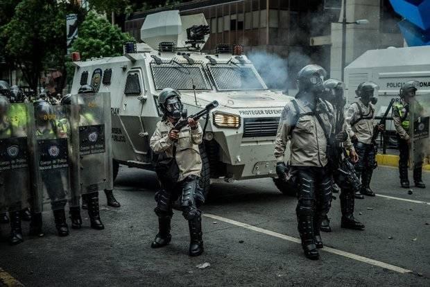 NYT: En Venezuela crece la presión en las filas policiales