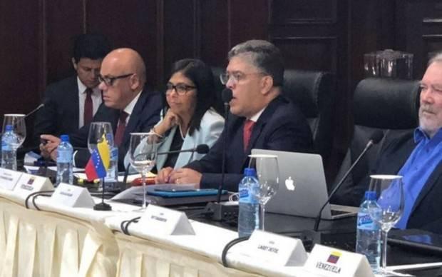 Oficialismo y oposición acordaron reunirse para el próximo 15 de diciembre