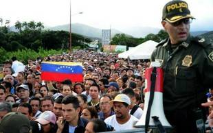 Venezolanos exiliados en Colombia piden hacer plantón mundial por la libertad