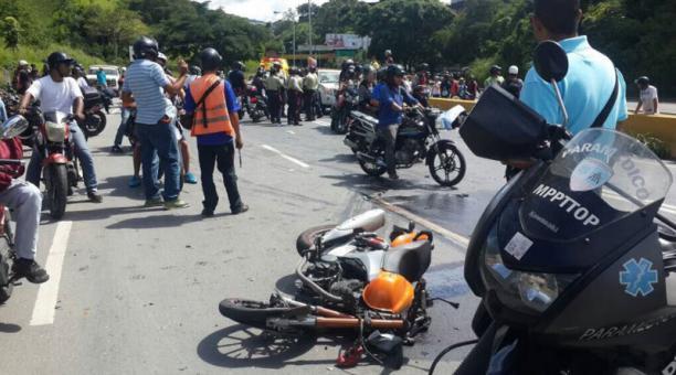 Dos muertos tras colisión de motocicletas en escenario de protesta en Caracas