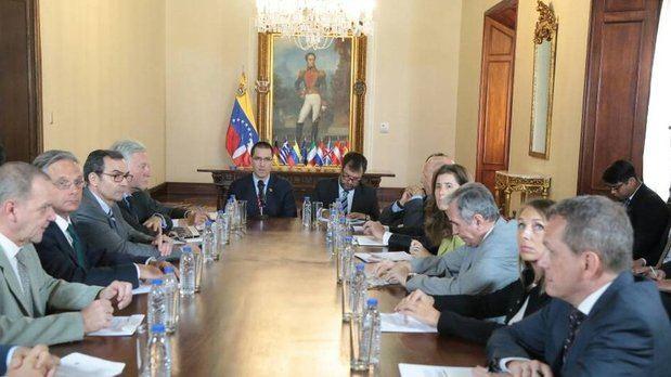 Venezuela entrega nota de protesta a embajadores de la UE por recientes sanciones