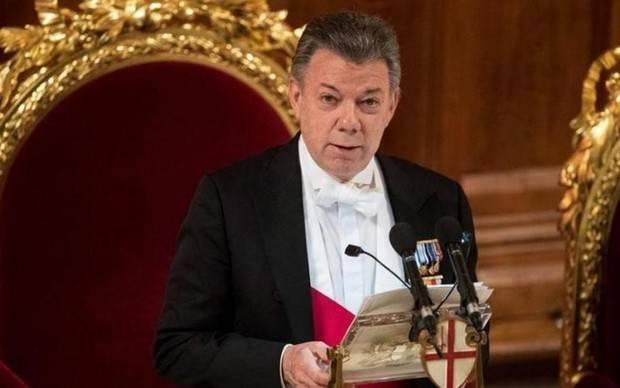 Santos nombrará nuevo equipo para diálogos con el ELN