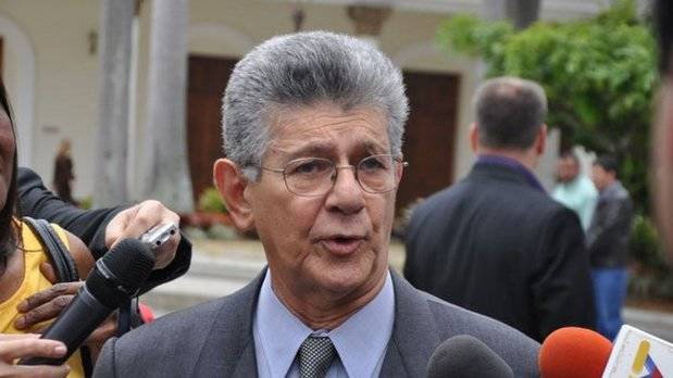 Ramos Allup arremete: Maduro no gobierna nada en este país. Está caído
