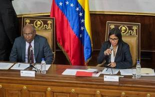 """Delcy Rodríguez: Ley de convivencia pacífica regulará """"mensajes de odio"""" en redes sociales"""