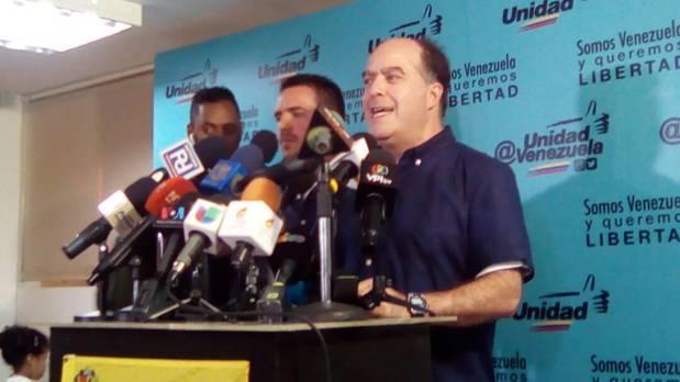 "Julio Borges asegura que ""no votar significa regalarle un voto a Maduro"""