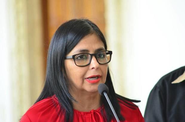 Delcy Rodríguez: Somos Venezuela consignó estatutos ante el CNE