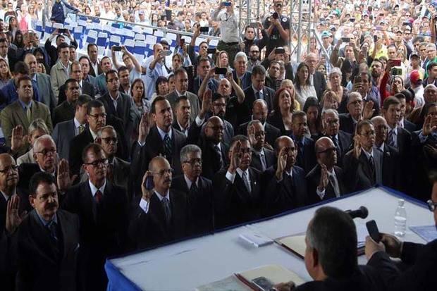 Cuarta magistrada ingresa a embajada chilena como huésped