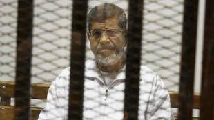 Confirman la pena de muerte a Mursi por huir de una cárcel en 2011