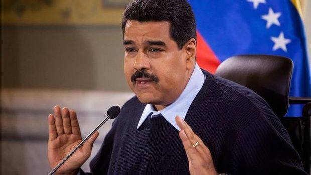 Maduro revela que su reunión con Santos ha quedado para 2016 y lo lamenta