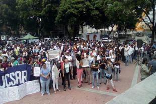 Periodistas marcharon hasta sede de Conatel