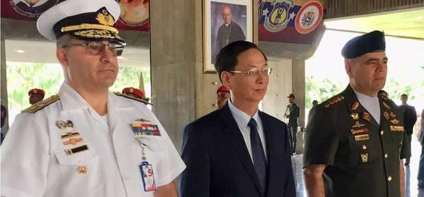 Padrino López recibe este viernes visita oficial de embajadores de China y Vietnam