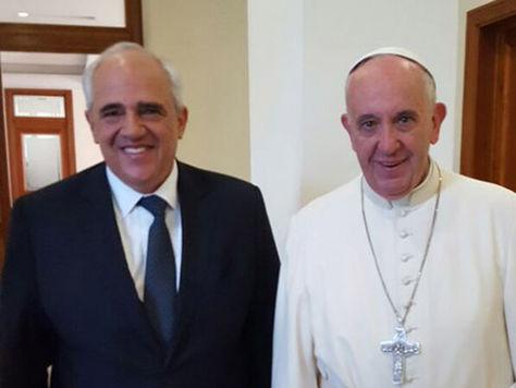 Papa recibe en el Vaticano a Samper, que busca el diálogo en Venezuela
