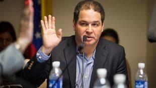 Parlamento venezolano espera resoluci�n de OEA sobre