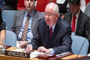 Rafael Ramírez rechazó uso de fuerza militar en contra de refugiados
