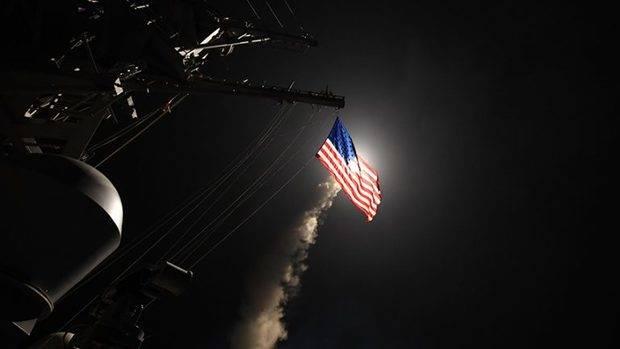 EEUU lanzó decenas de misiles crucero contra un aeródromo en Siria