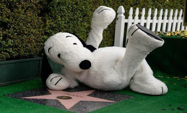 Snoopy ya tiene su estrella en el Paseo de la Fama de Hollywood