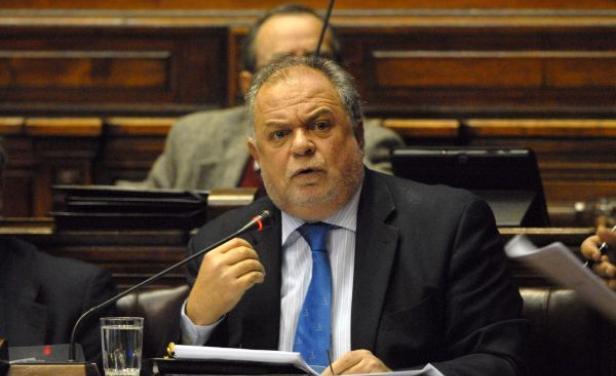 Uruguay pide medidas a Unasur y Mercosur por violencia en Venezuela
