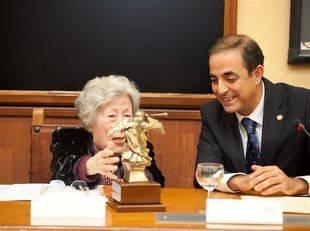La US homenajea a la poetisa sevillana Julia Uceda