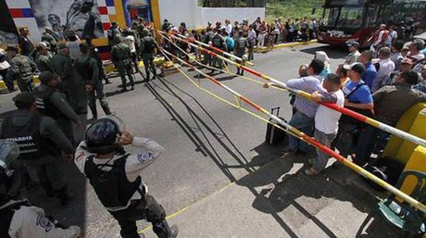 Presedente de Colombia reitera voluntad de reunirse con Maduro pese a nuevo cierre fronterizo