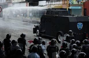 Vielma Mora prohíbe por decreto las manifestaciones en Táchira