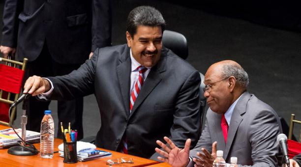 Venezuela pide apoyo a Ecuador, Argelia y Rusia para concretar reunión OPEP