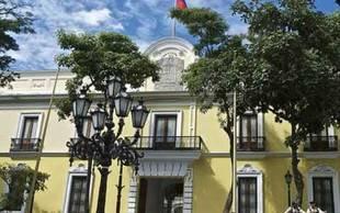 """Venezuela condena """"la ruptura del orden constitucional"""" en Zimbabue"""