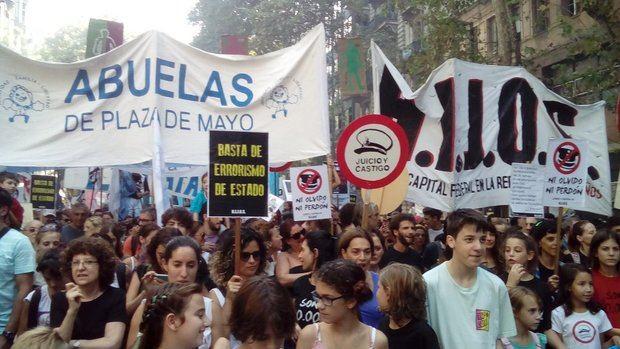 Multitudinaria movilización recordando a los treinta mil desaparecidos