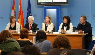 Un total de 86 menores esperan ser acogidos por alguna familia en Castilla y León