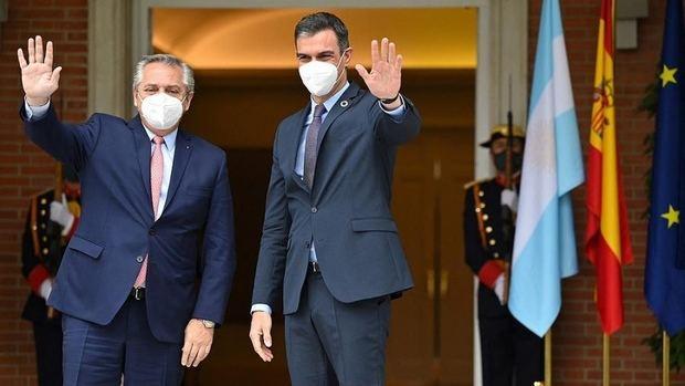 Balance del paso de Alberto por España: Apoyo ante el FMI, fortalecimiento de la relación bilateral y anuncio de la visita de Sánchez el 8 de junio al país