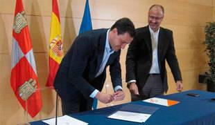 PP y C's rubrican un acuerdo para suprimir el '90% de los aforamientos', reformar la ley electoral y avanzar en los PGC