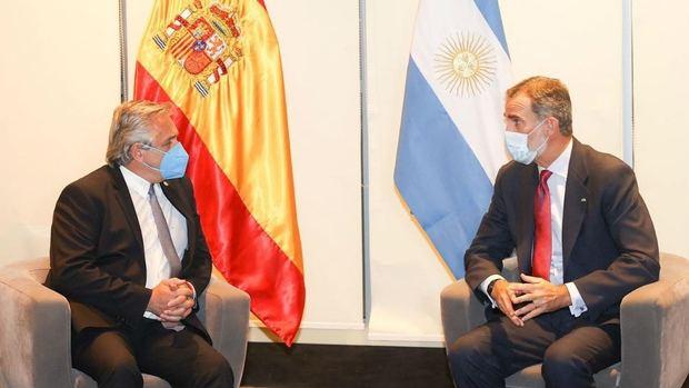Alberto Fernández se reunió con el Rey Felipe VI en Bolivia