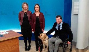 Una ley equiparará el perro de asistencia a personas con discapacidad con el perro guía y regulará su adiestramiento y tenencia