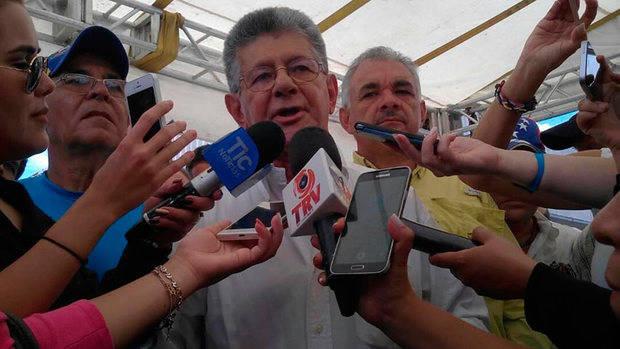 Ramos Allup insiste en que gobernadores no deben juramentarse en la ANC