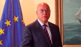 El secretario de Estado de Defensa niega haber contratado a Villarejo y pide al PP que no confunda a 'víctimas con verdugos'