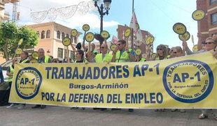 Trabajadores de la AP-1 salen a la calle para exigir una nueva concesión que garantice autopistas 'seguras'