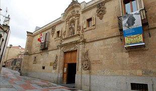 110.000 ciudadanos exigen al Gobierno que ordene a la Generalitat devolver lo 'robado' del Archivo de Salamanca