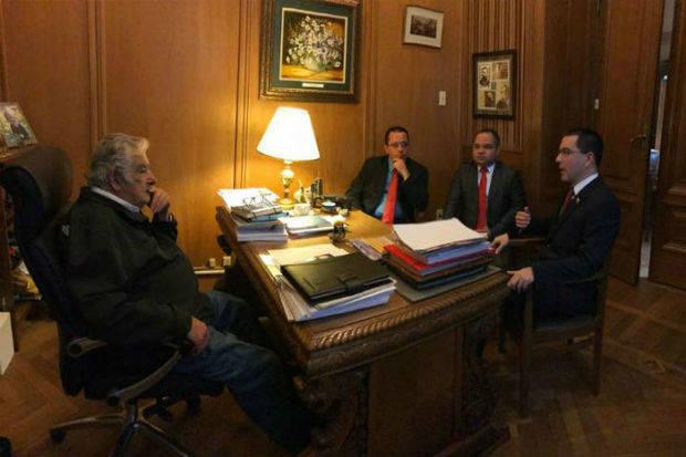 Canciller Arreaza sostuvo encuentro con Pepe Mujica para abordar temas geopolíticos