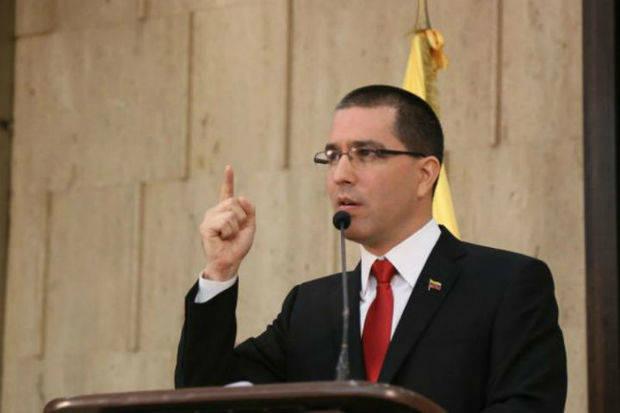 Arreaza afirma que sanciones de UE pretenden quebrar el proceso diálogo
