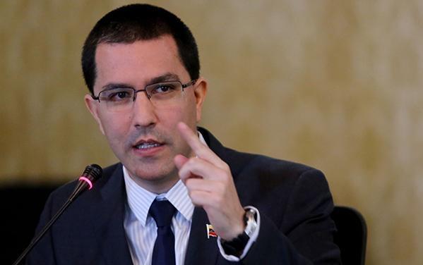 Canciller Arreaza rechaza declaraciones de Juan Manuel Santos sobre Venezuela