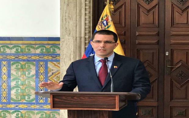 Canciller Arreaza eleva nota de protesta a embajador de Alemania