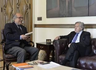 Almagro recibió informe de expresidentes sobre plebiscito simbólico en Venezuela
